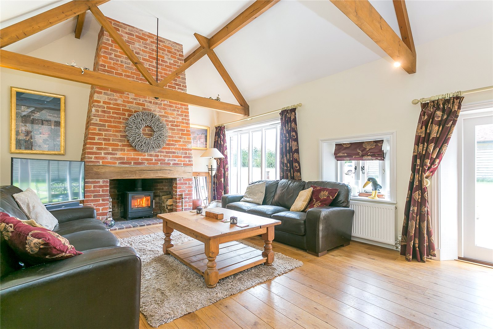 Additional photo for property listing at Hole Lane, Bentley, Nr. Farnham, Surrey, GU10 Surrey, 英格兰