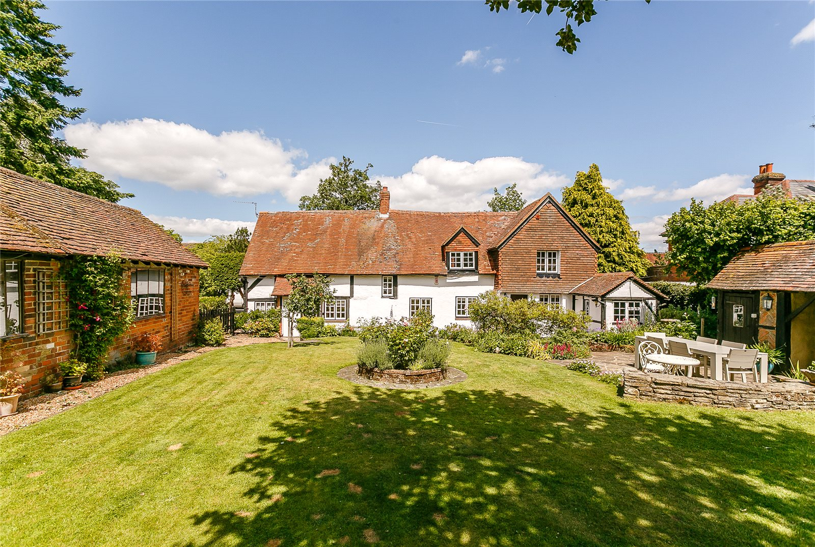 Villa per Vendita alle ore The Street, Crookham Village, Fleet, Hampshire, GU51 Fleet, Inghilterra