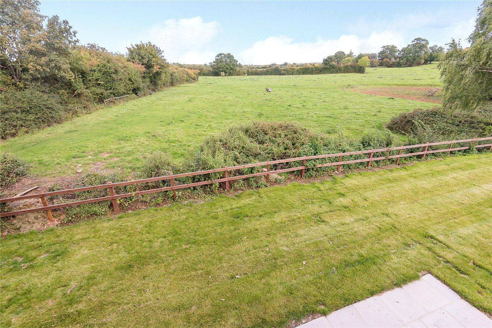 Additional photo for property listing at Dunleys Hill, Odiham, Hook, Hampshire, RG29 Hook, Αγγλια