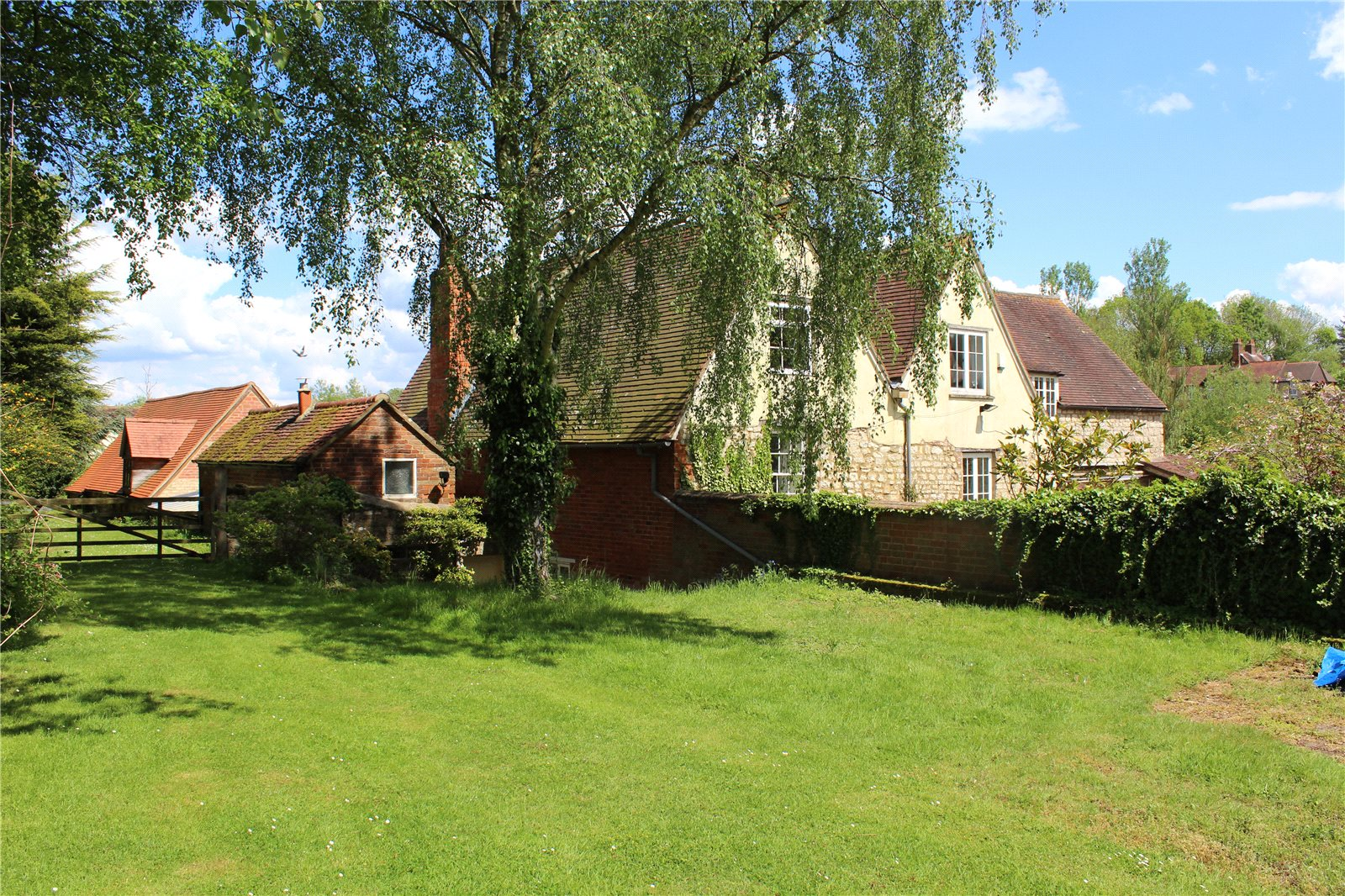 Additional photo for property listing at Radclive, Radclive, Buckinghamshire, MK18 Radclive, Англия