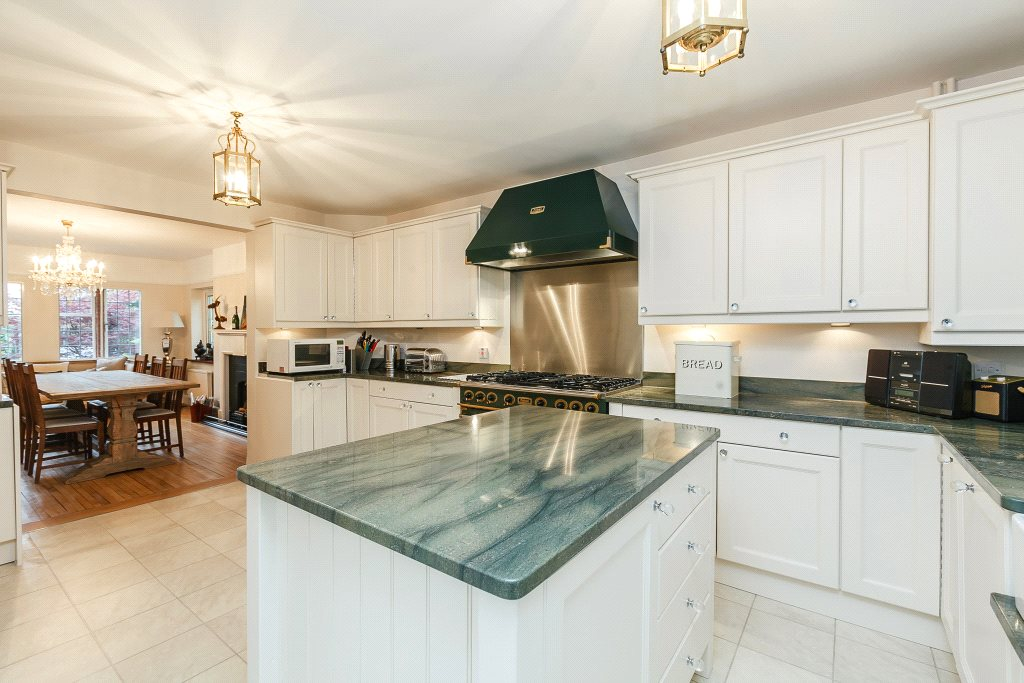 Single Family Home for Sale at Woodstock Road, Oxford, Oxfordshire, OX2 Oxford, England
