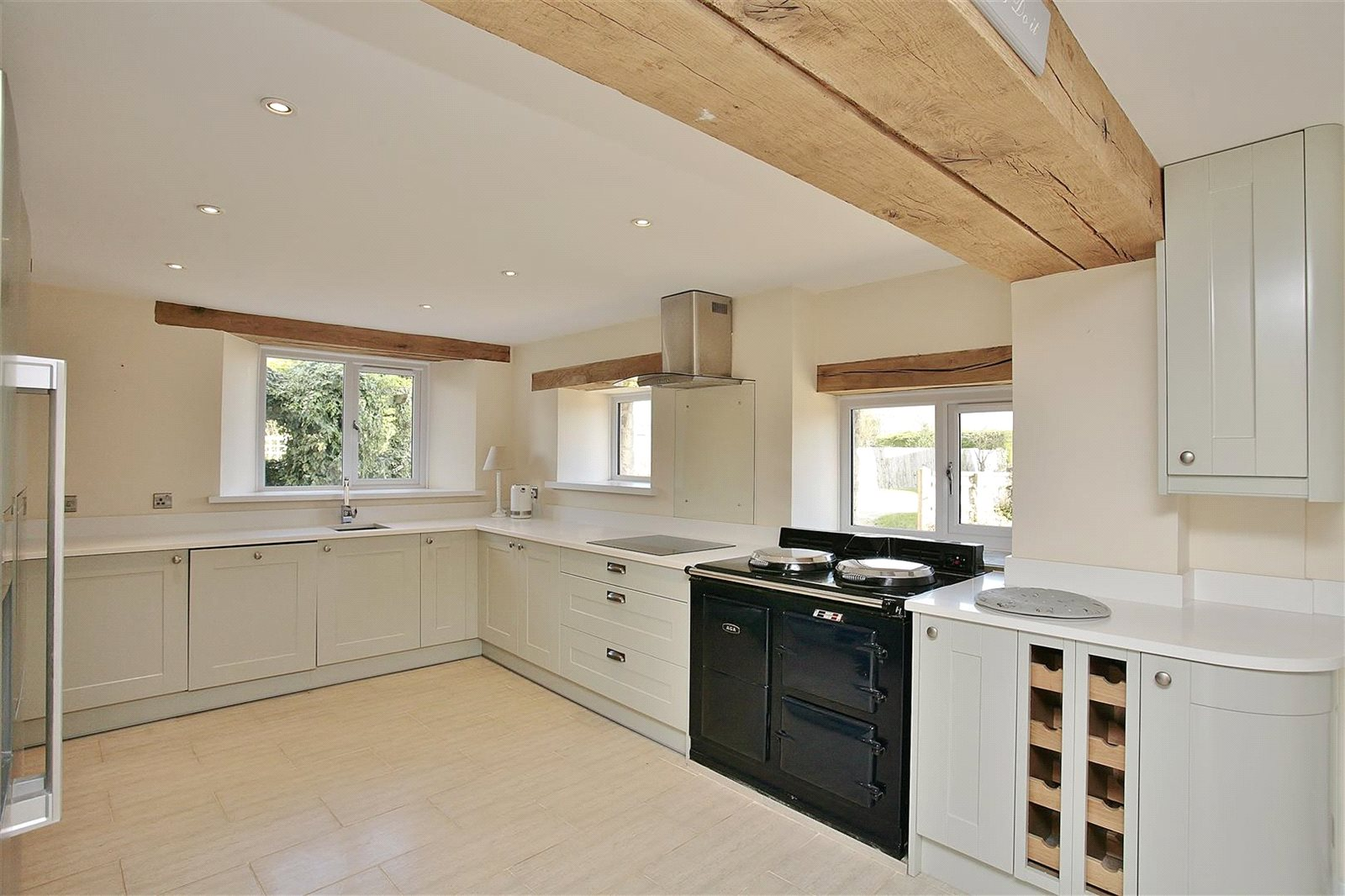 Additional photo for property listing at Bushey Drive, Clanfield, Oxfordshire, OX18 Clanfield, Inglaterra