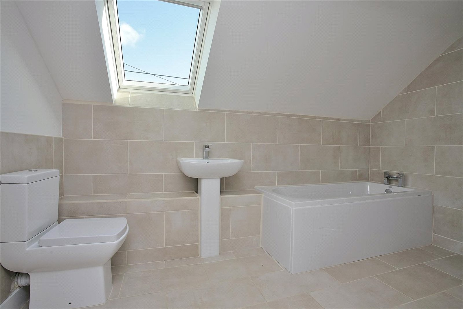 Additional photo for property listing at Bushey Drive, Clanfield, Oxfordshire, OX18 Clanfield, イギリス