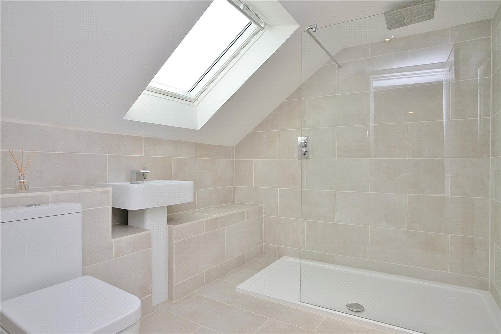 Additional photo for property listing at Bushey Drive, Clanfield, Oxfordshire, OX18 Clanfield, Англия