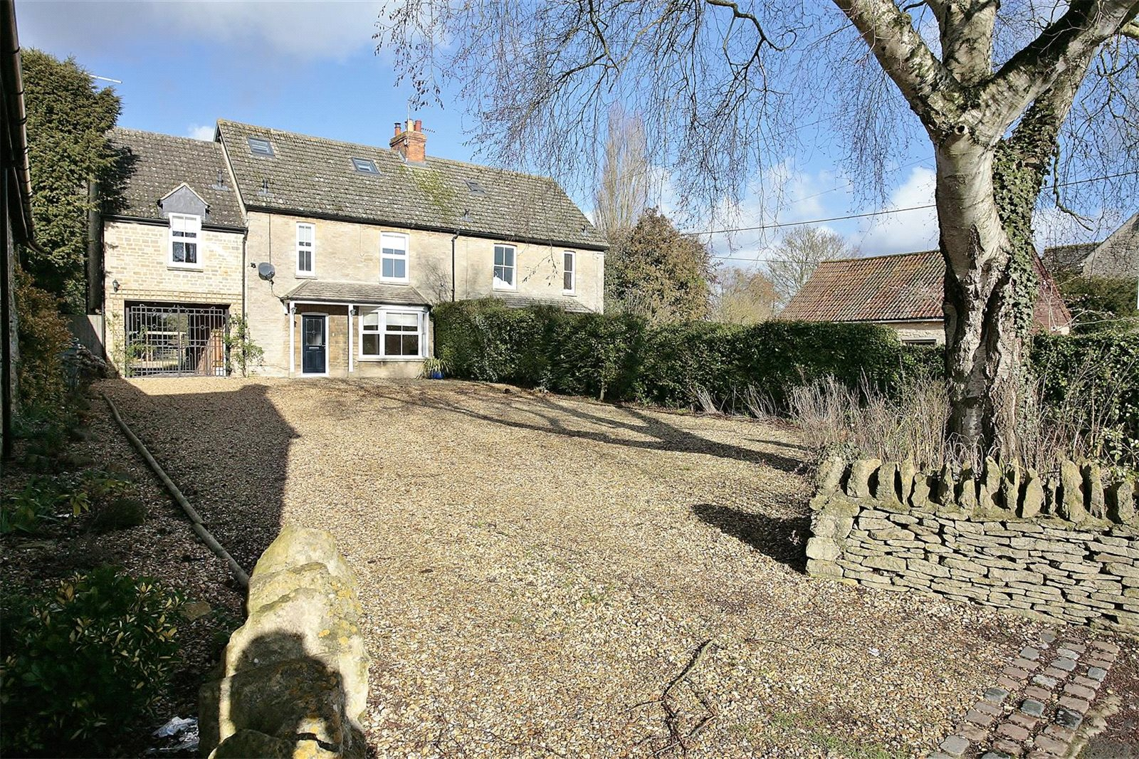独户住宅 为 销售 在 Bampton Road, Clanfield, Oxfordshire, OX18 Clanfield, 英格兰