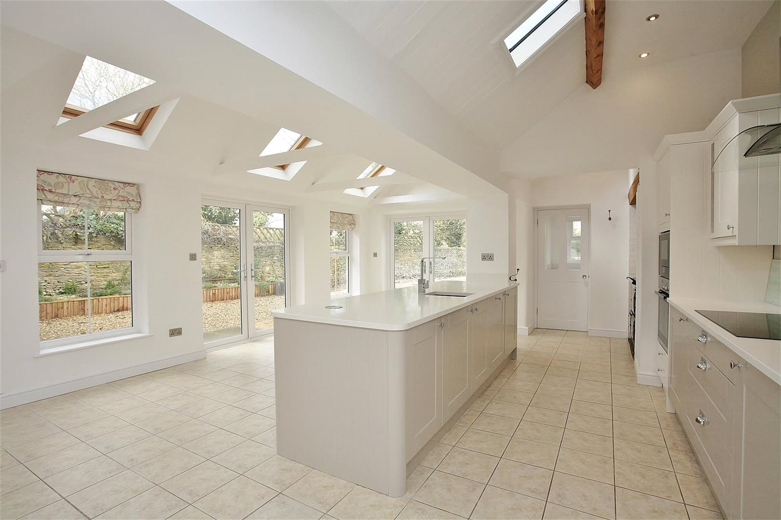 Additional photo for property listing at Bampton Road, Clanfield, Oxfordshire, OX18 Clanfield, Αγγλια