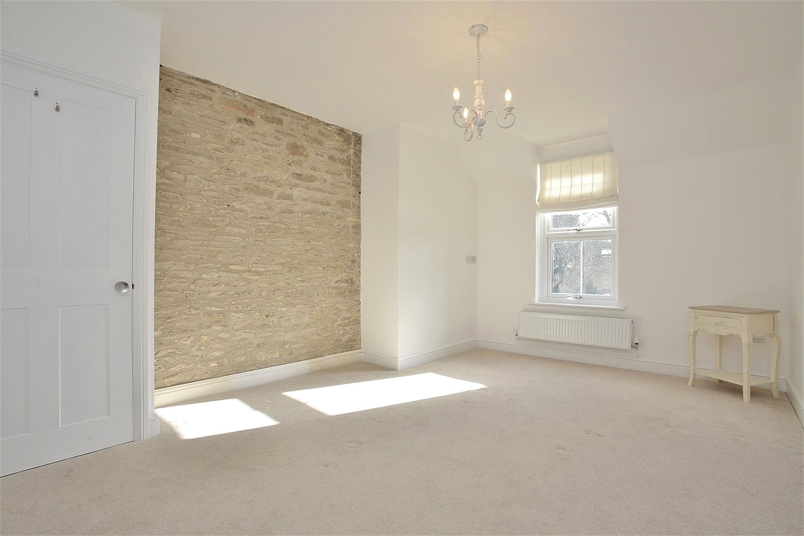 Additional photo for property listing at Bampton Road, Clanfield, Oxfordshire, OX18 Clanfield, イギリス