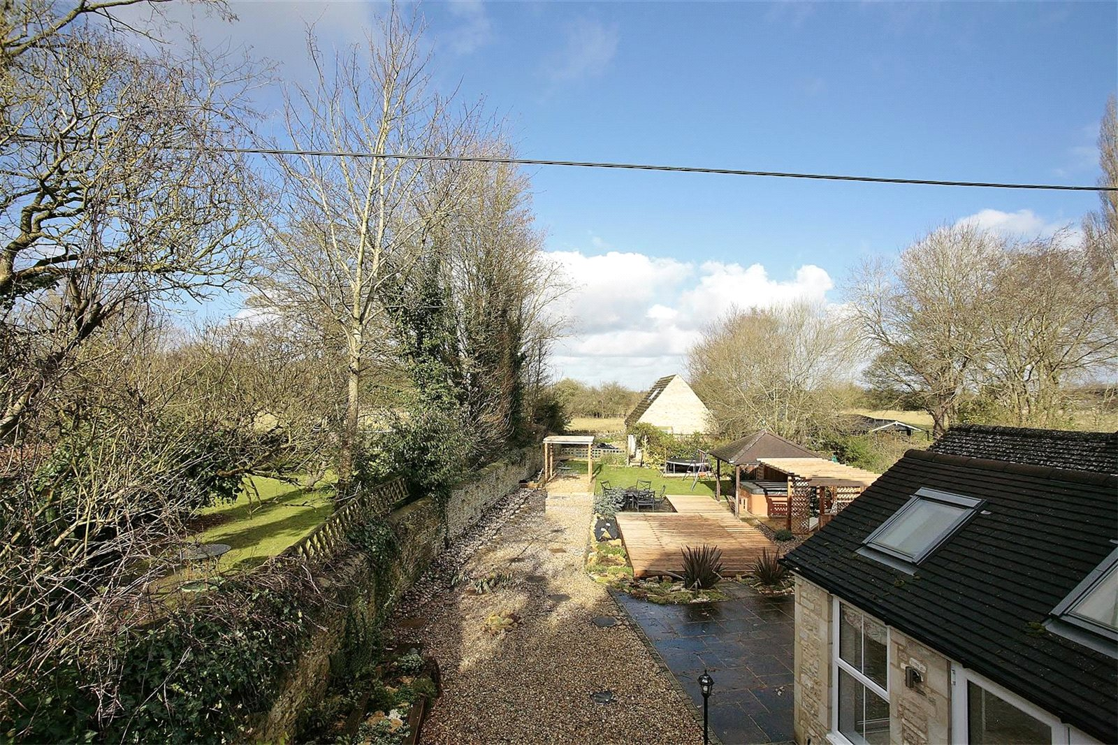Additional photo for property listing at Bampton Road, Clanfield, Oxfordshire, OX18 Clanfield, Engeland