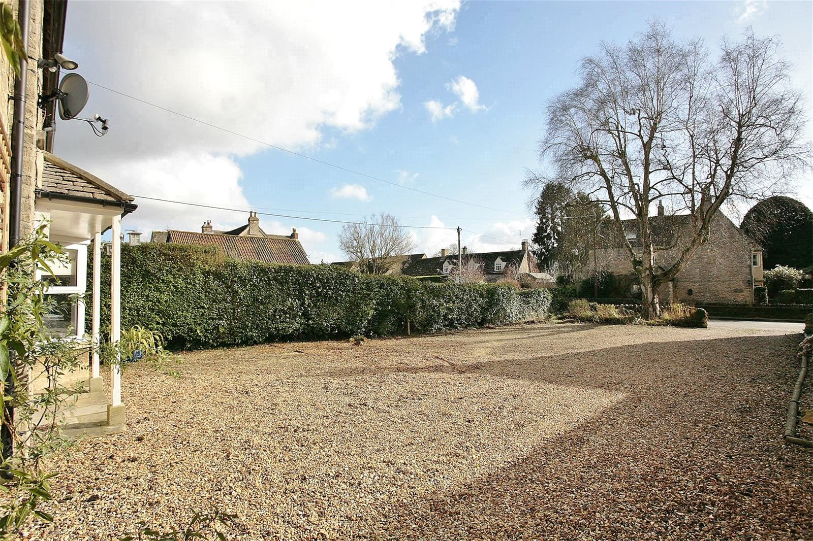 Additional photo for property listing at Bampton Road, Clanfield, Oxfordshire, OX18 Clanfield, Inglaterra