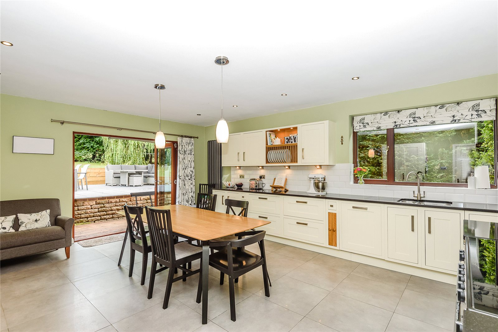 Additional photo for property listing at Hatch Close, Chapel Row, Reading, RG7 Reading, Англия