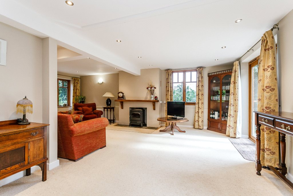 Additional photo for property listing at Clay Hill, Beenham, Reading, RG7 Reading, Angleterre