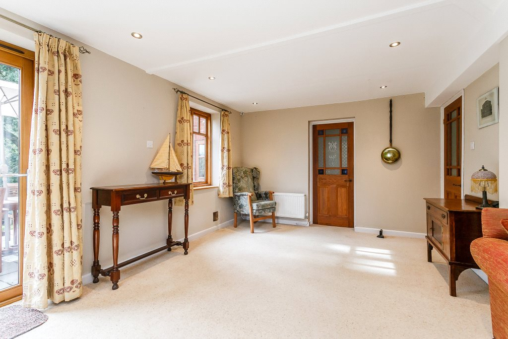 Additional photo for property listing at Clay Hill, Beenham, Reading, RG7 Reading, Anh Quốc