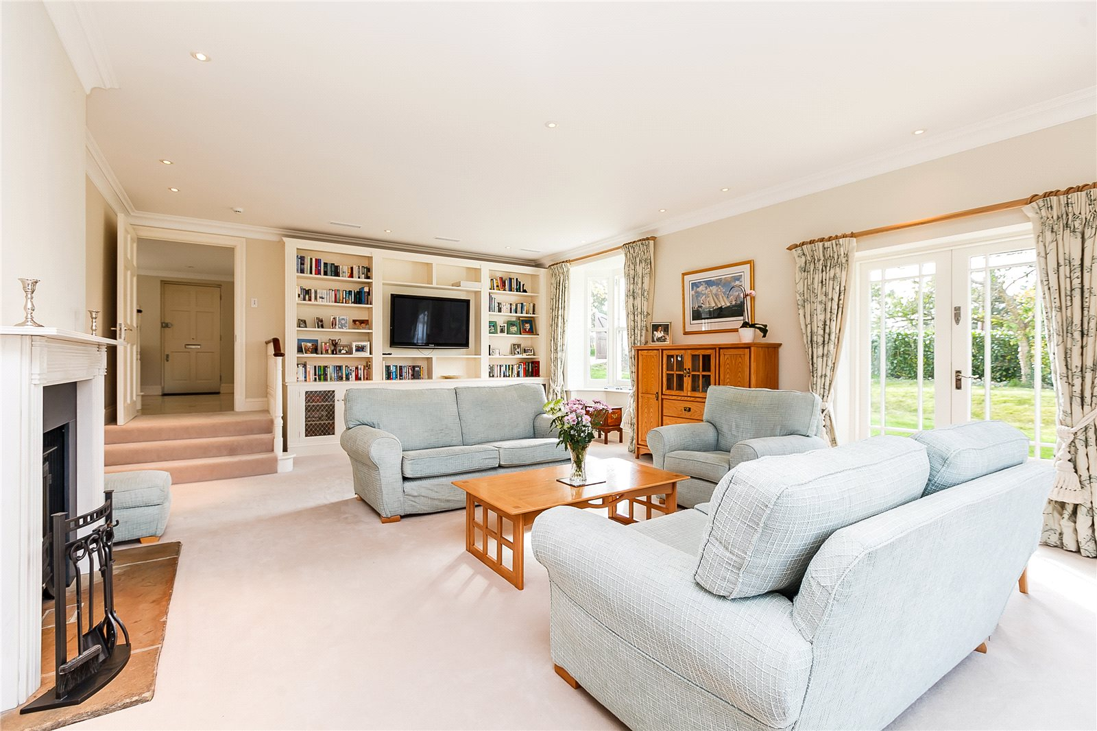 Additional photo for property listing at Shirvells Hill, Goring Heath, Nr Woodcote, Reading, RG8 Reading, Ingiltere