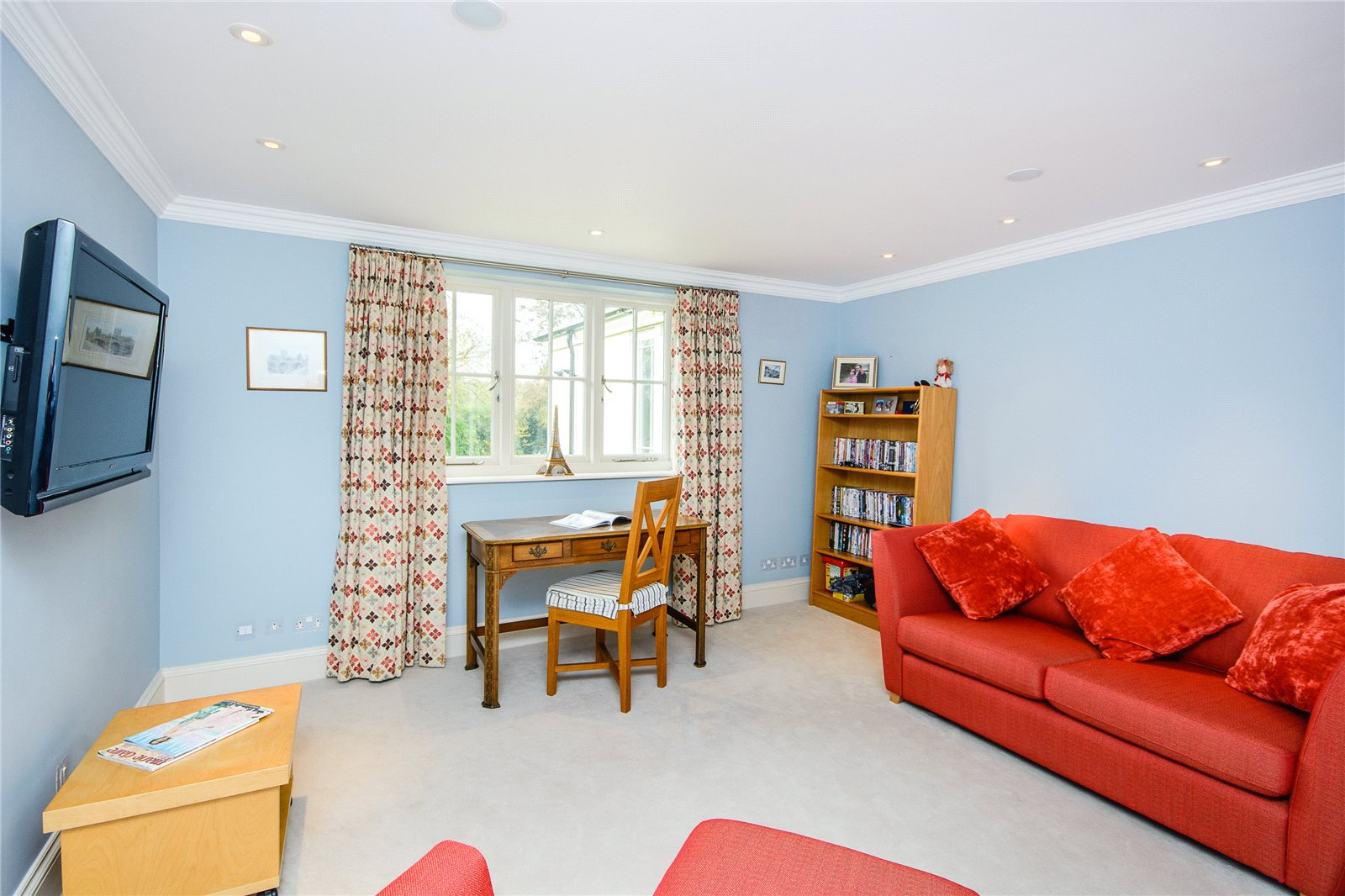 Additional photo for property listing at Shirvells Hill, Goring Heath, Nr Woodcote, Reading, RG8 Reading, Inglaterra