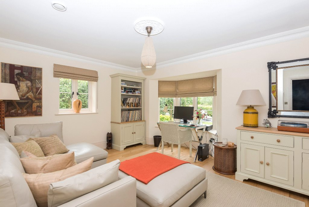 Additional photo for property listing at Upper Basildon, Reading, Berkshire, RG8 Reading, Engeland