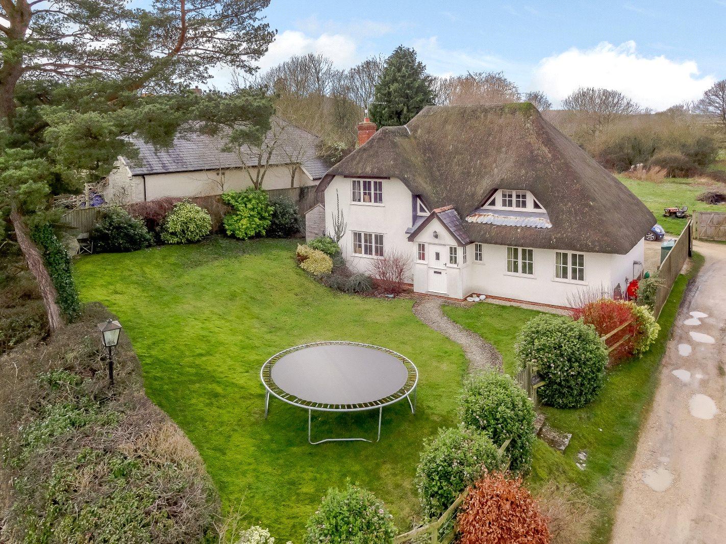 Частный дом для того Продажа на Lower Chicksgrove, Tisbury, Salisbury, SP3 Salisbury, Англия