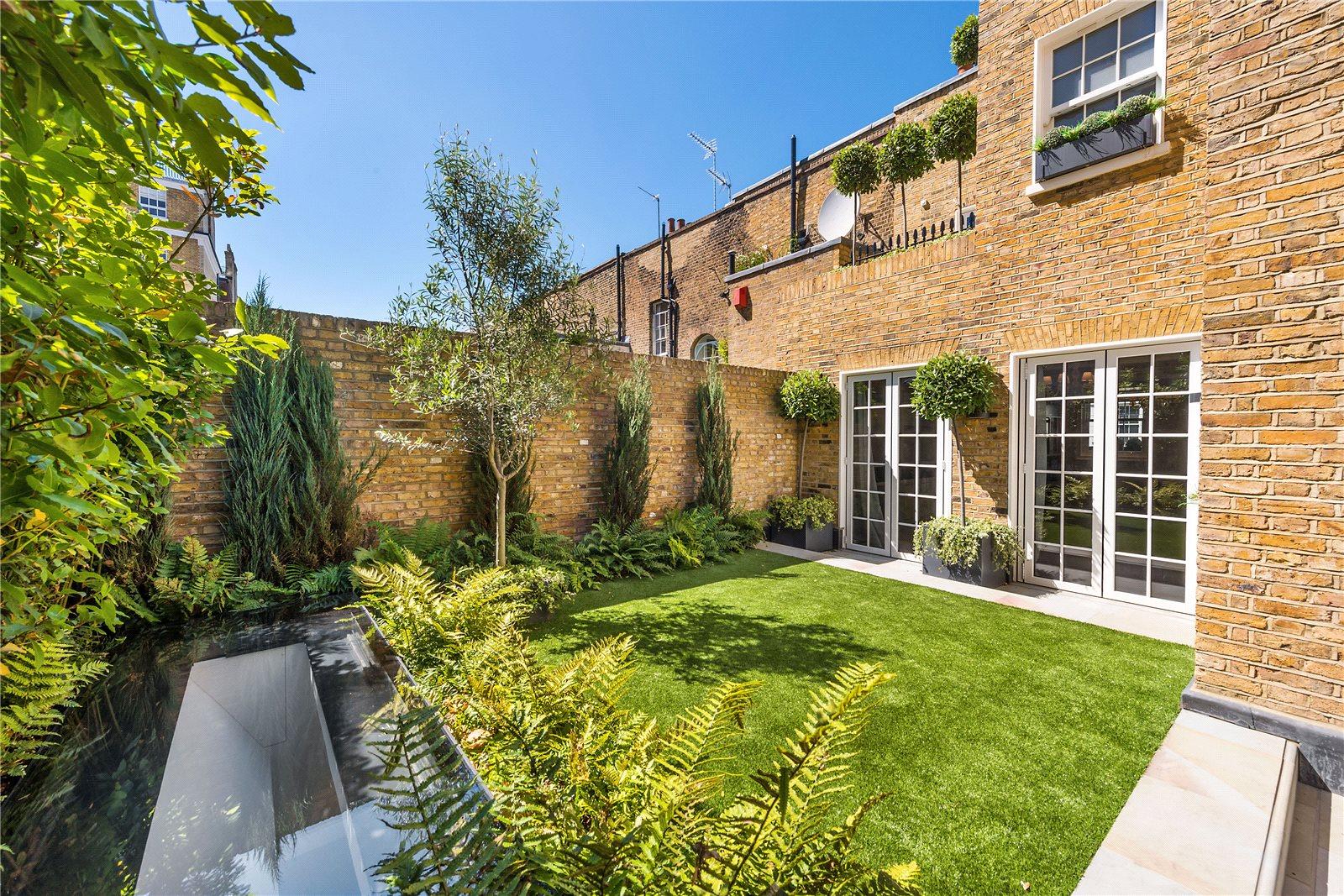 Single Family Home for Sale at Walton Street, London, SW3 London, England