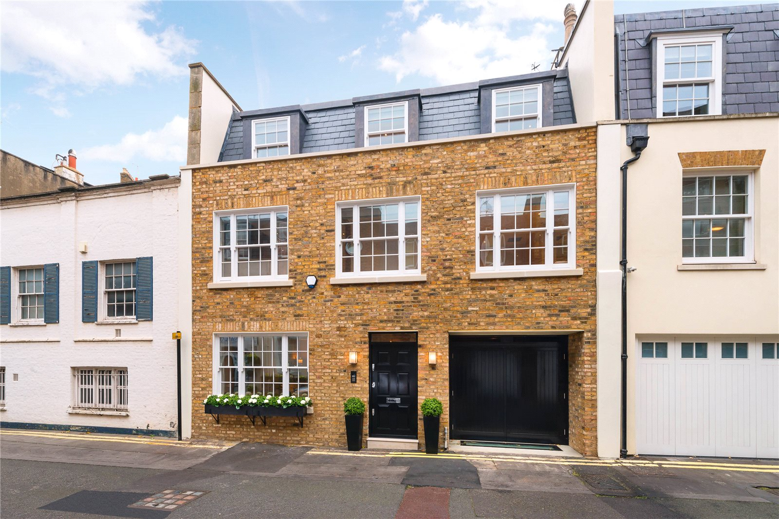 Additional photo for property listing at Kinnerton Street, London, SW1X London, Inglaterra