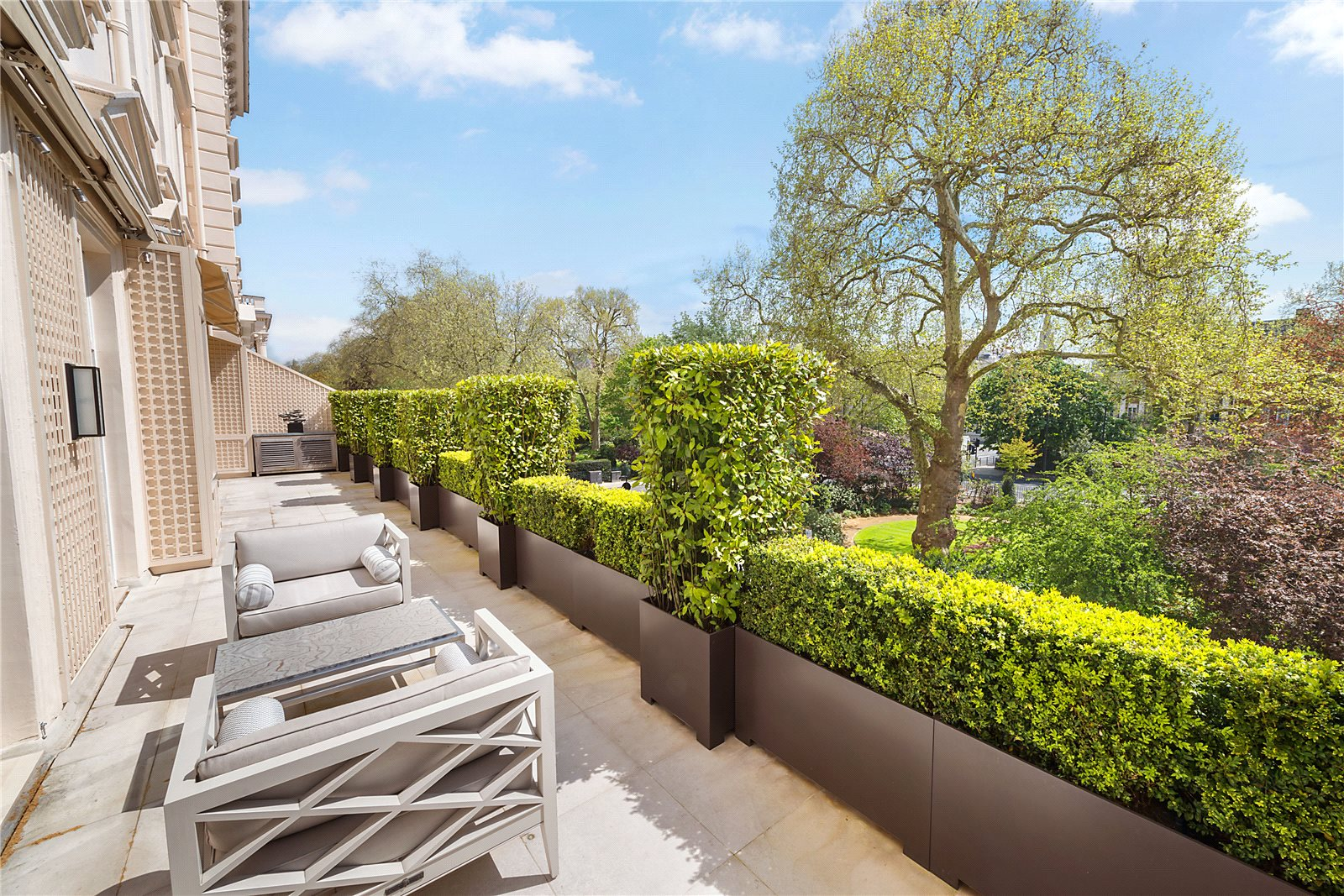 Apartments / Residences for Sale at Eaton Square, Belgravia, London, SW1W Belgravia, London, England