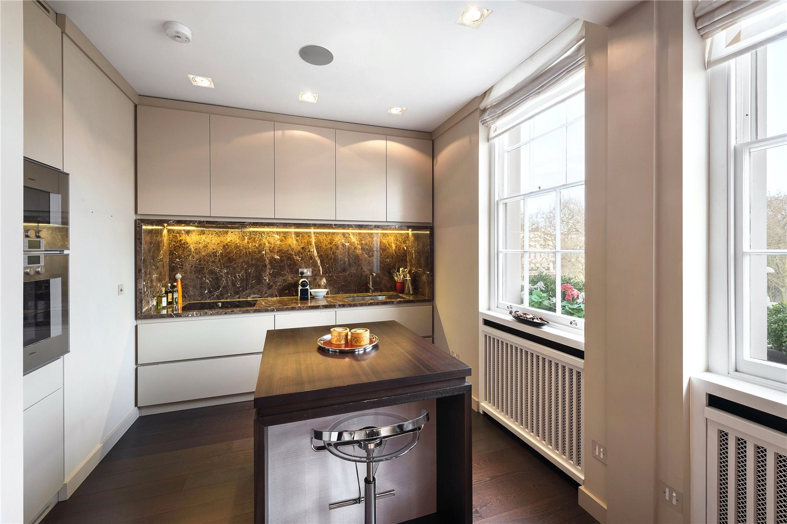Additional photo for property listing at Eaton Square, London, SW1W London, イギリス