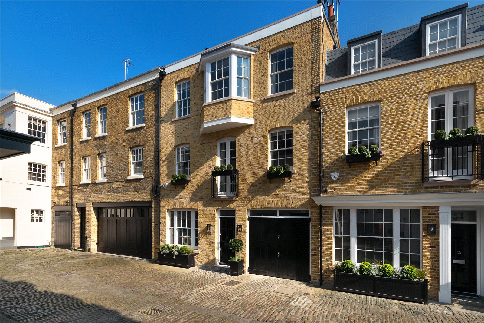 Additional photo for property listing at Lyall Mews, London, SW1X London, 英格兰