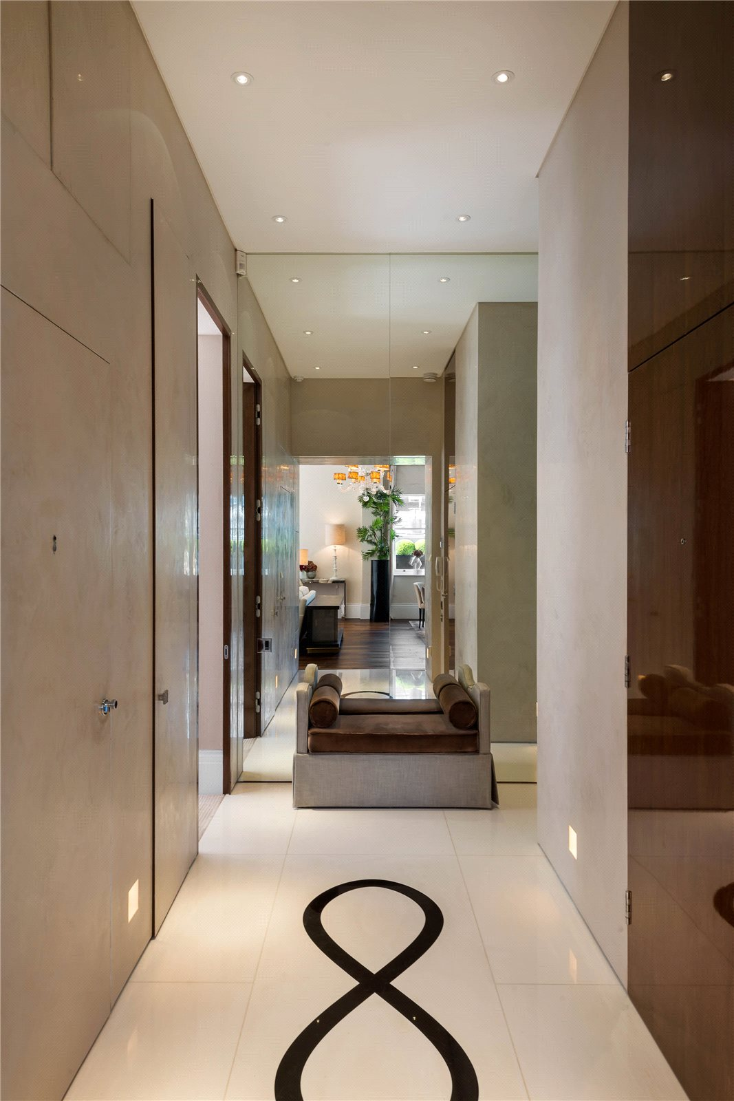 Additional photo for property listing at Rutland Gardens, London, SW7 London, Ingiltere