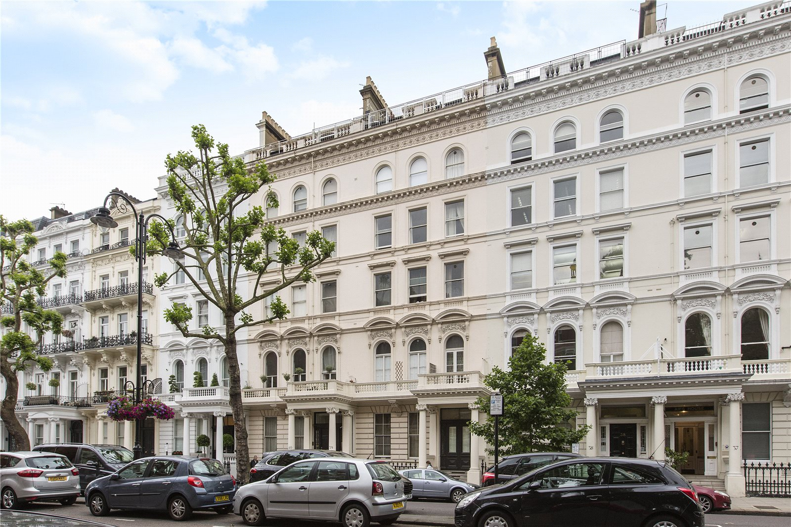 Additional photo for property listing at Queen's Gate, South Kensington, London, SW7 South Kensington, London, England