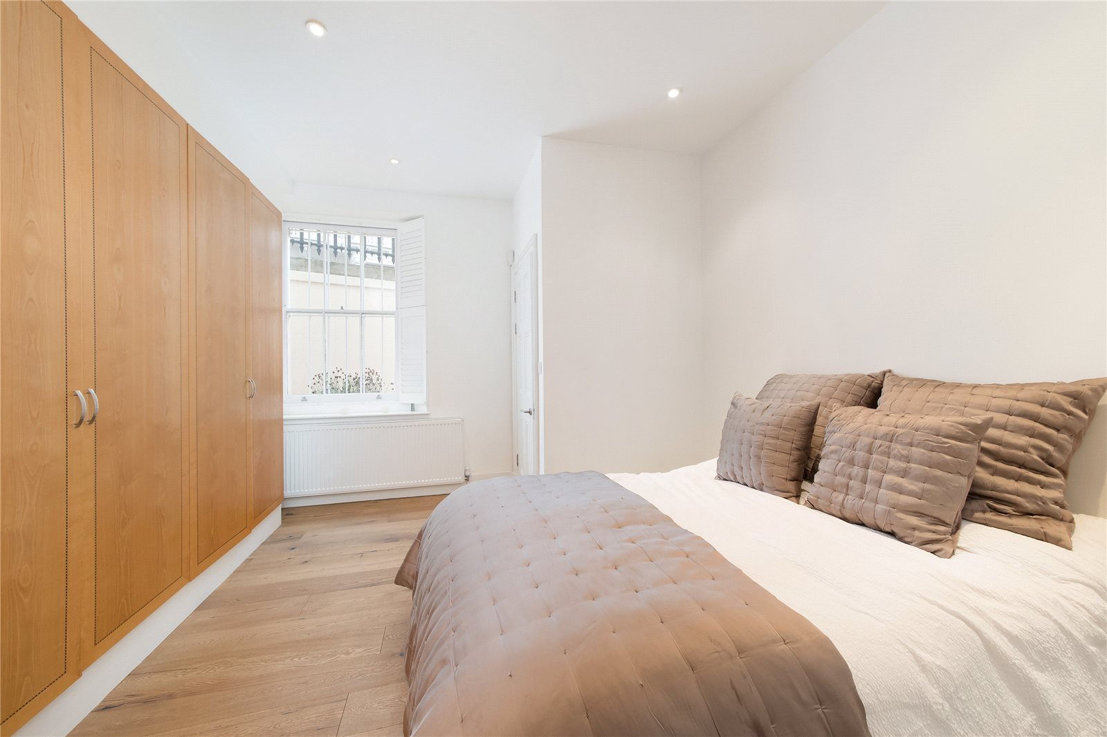 Additional photo for property listing at Queen's Gate, London, SW7 London, Αγγλια