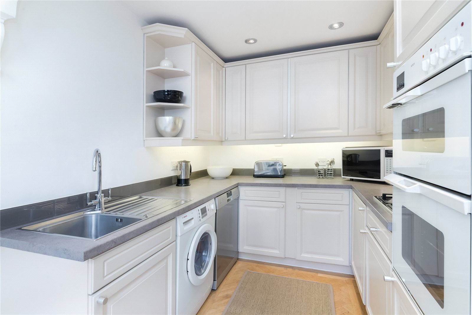 Additional photo for property listing at Queen's Gate Gardens, South Kensington, London, SW7 South Kensington, London, Αγγλια