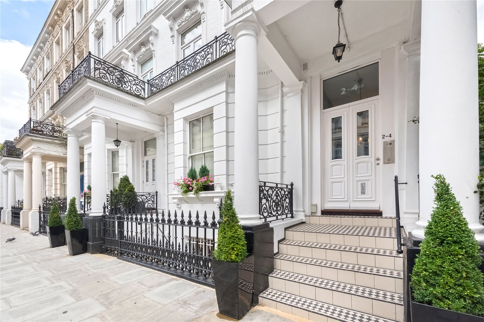 Additional photo for property listing at Templeton Place, Earls Court, London, SW5 Earls Court, London, 영국