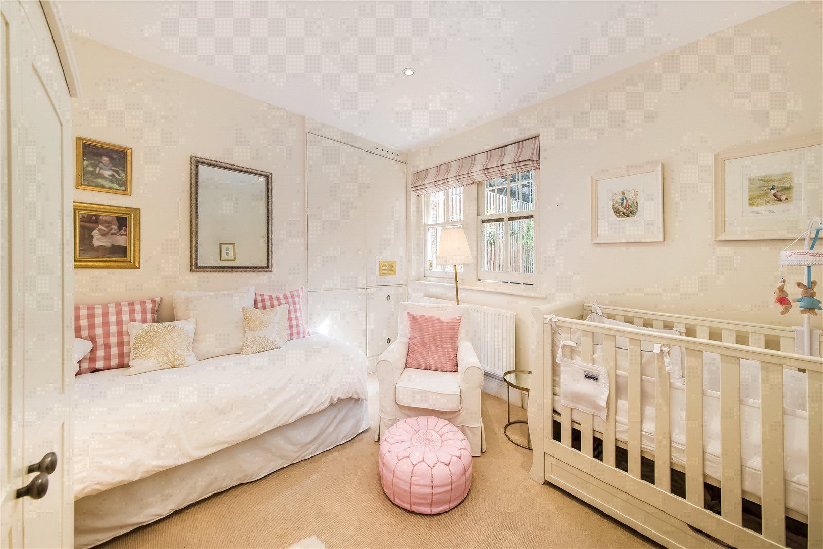 Additional photo for property listing at Earl's Court Square, London, SW5 London, Англия