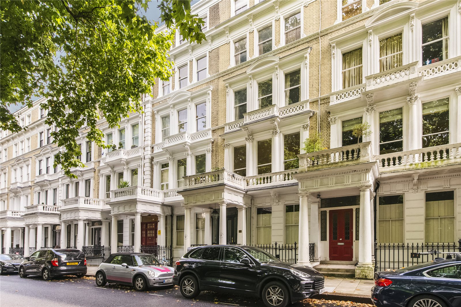 Additional photo for property listing at Courtfield Gardens, London, SW5 London, Англия