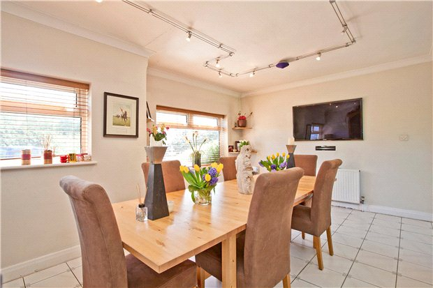 Additional photo for property listing at Woodcock Hill, Sandridge, St. Albans, Hertfordshire, AL4 St Albans, Engeland