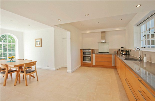 Additional photo for property listing at Marshals Drive, St. Albans, Hertfordshire, AL1 St Albans, 영국