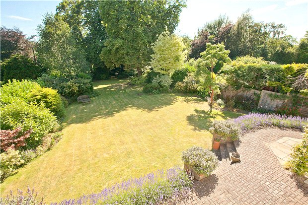 Additional photo for property listing at Marshals Drive, St. Albans, Hertfordshire, AL1 St Albans, 英格兰