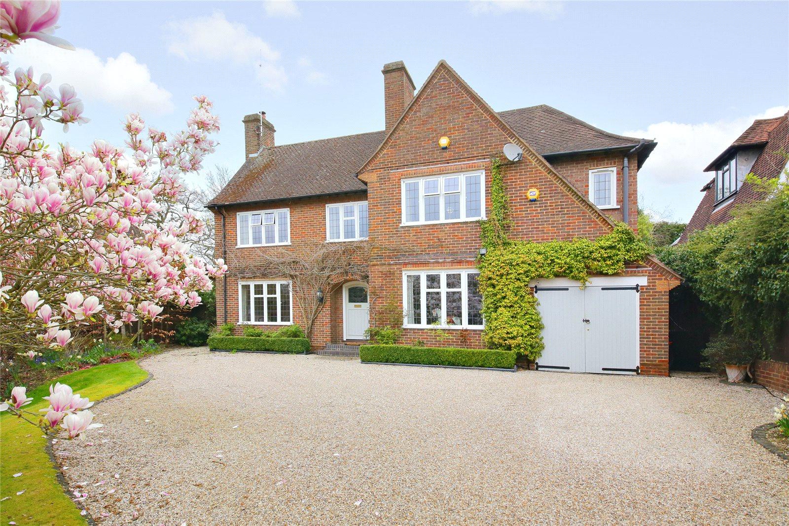 独户住宅 为 销售 在 Canons Close, Radlett, Hertfordshire, WD7 Radlett, 英格兰