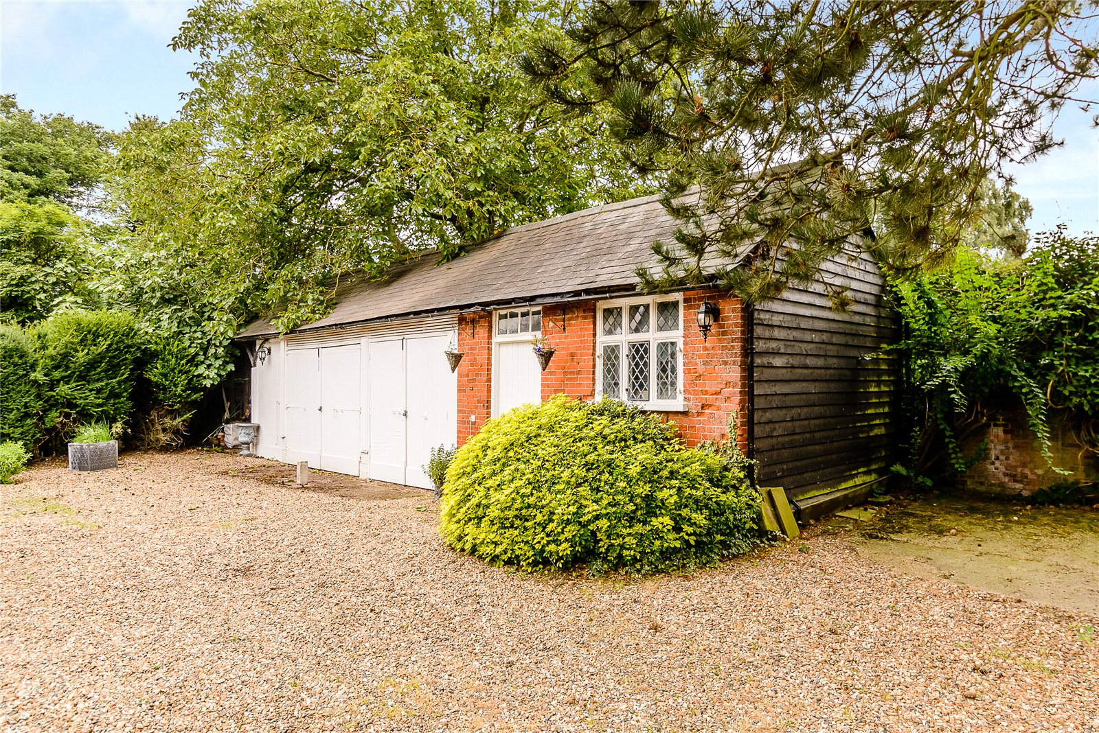 Additional photo for property listing at Hunsdon Road, Widford, Ware, Hertfordshire, SG12 Ware, Англия