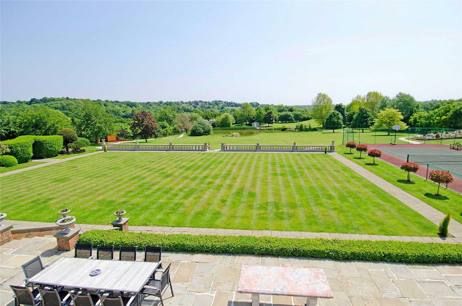 Maison unifamiliale pour l Vente à West End Lane, Essendon, Hertfordshire, AL9 Essendon, Angleterre