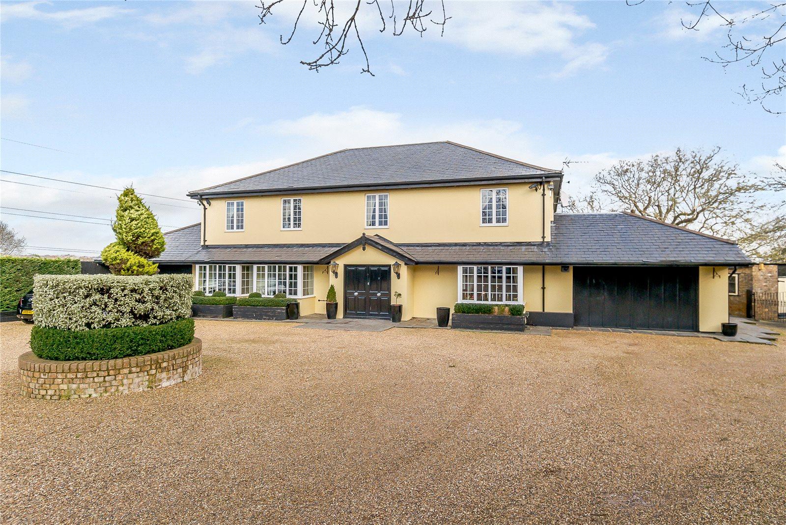 Single Family Home for Sale at Appleby Street, Cheshunt, Hertfordshire, EN7 Hertfordshire, England