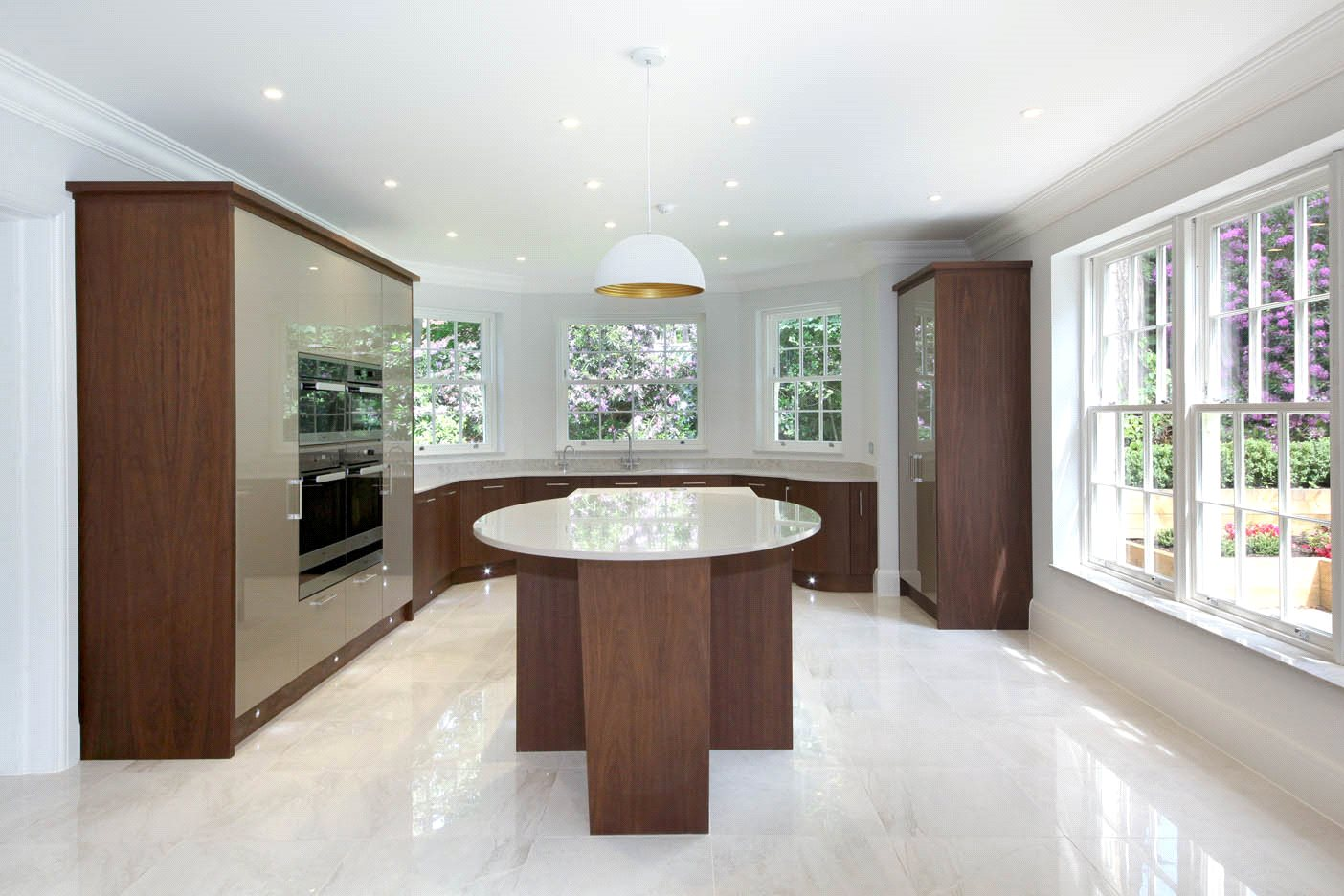 Additional photo for property listing at The Glade, Woodend Drive, Sunninghill, Berkshire, SL5 Sunninghill, Англия