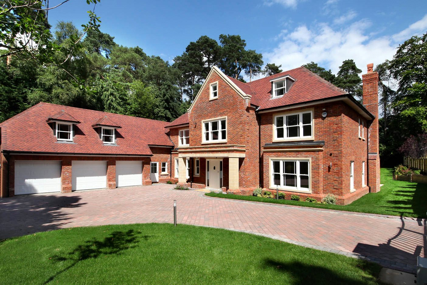 Additional photo for property listing at The Glade, Woodend Drive, Sunninghill, Berkshire, SL5 Sunninghill, 英格兰