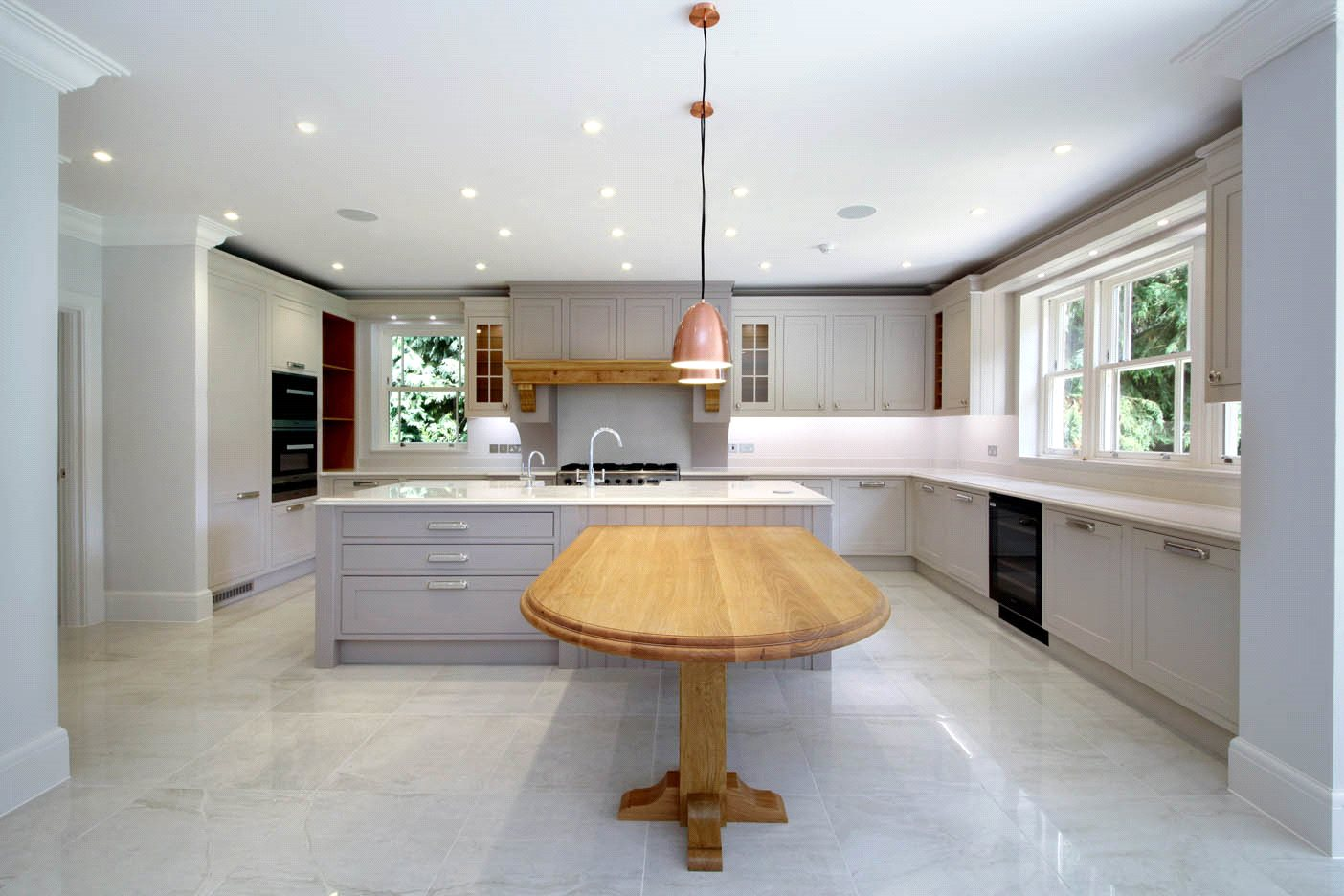 Additional photo for property listing at The Glade, Woodend Drive, Sunninghill, Berkshire, SL5 Sunninghill, Angleterre