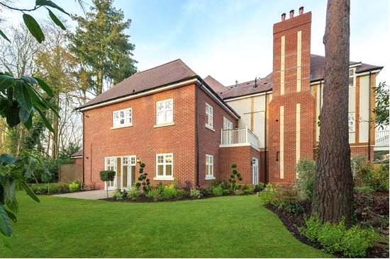 Additional photo for property listing at High Peak, London Road, Sunningdale, Berkshire, SL5 Sunningdale, England
