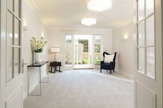 Additional photo for property listing at High Peak, London Road, Sunningdale, Berkshire, SL5 Sunningdale, Αγγλια