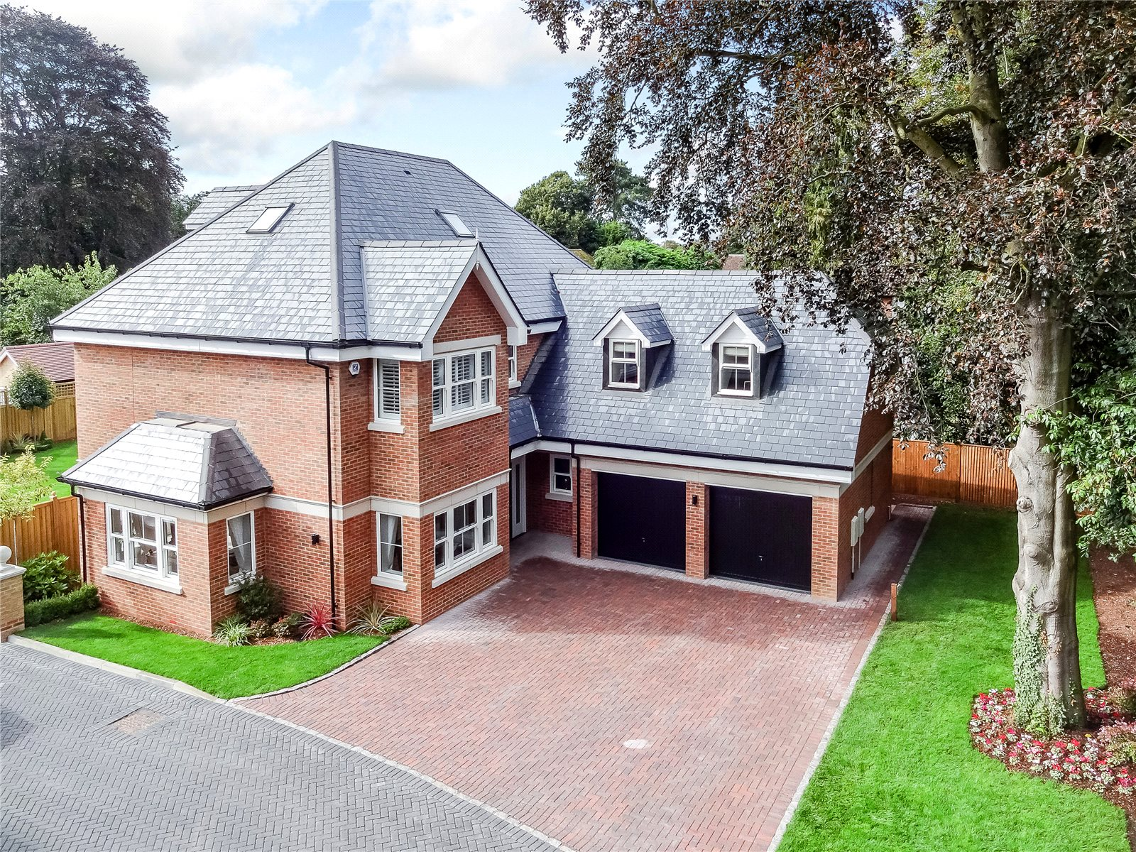 Additional photo for property listing at Northcroft Road, Englefield Green, TW20 Englefield Green, 영국