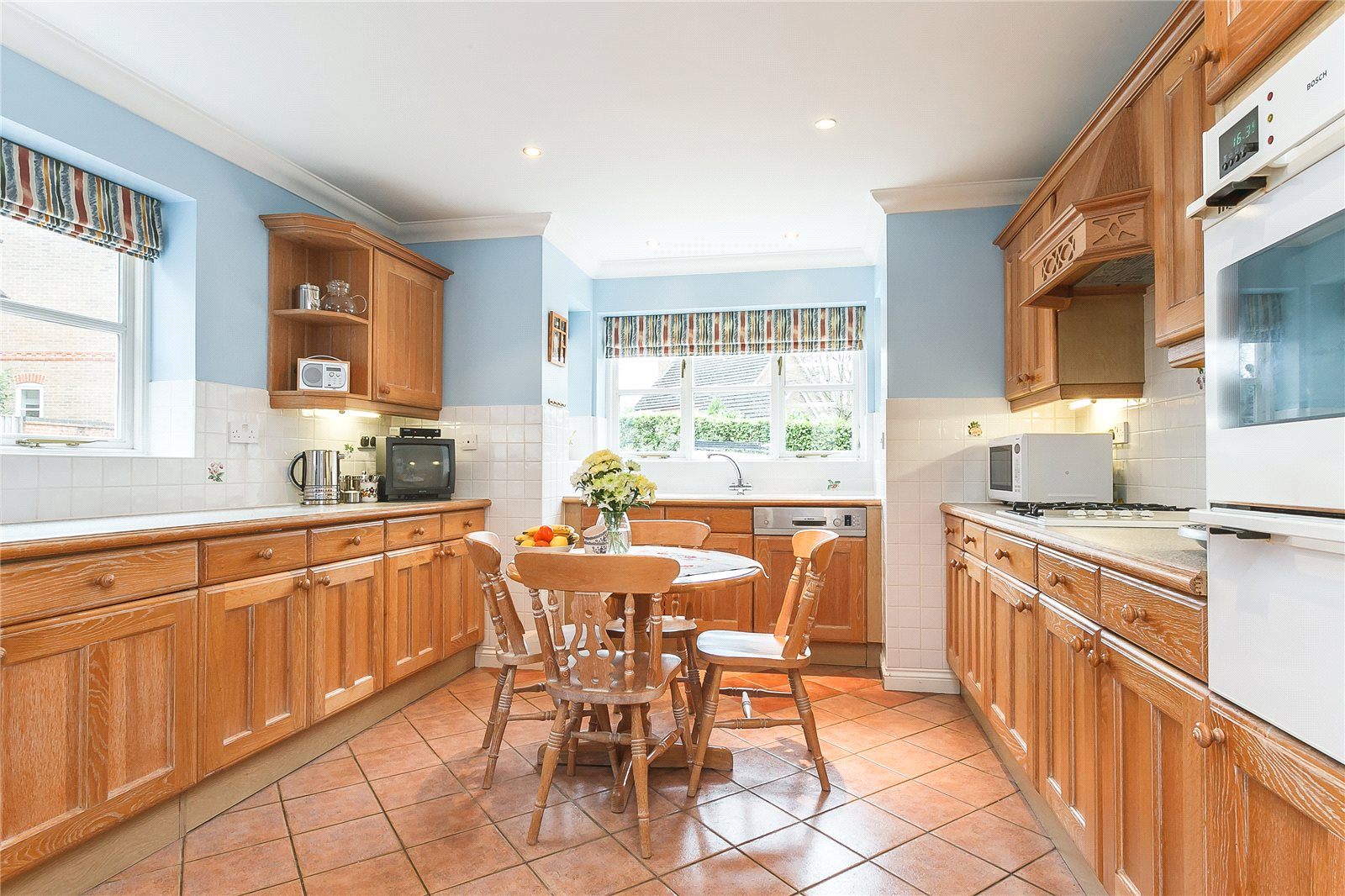 Additional photo for property listing at Charters Way, Ascot, Berkshire, SL5 Ascot, Ingiltere