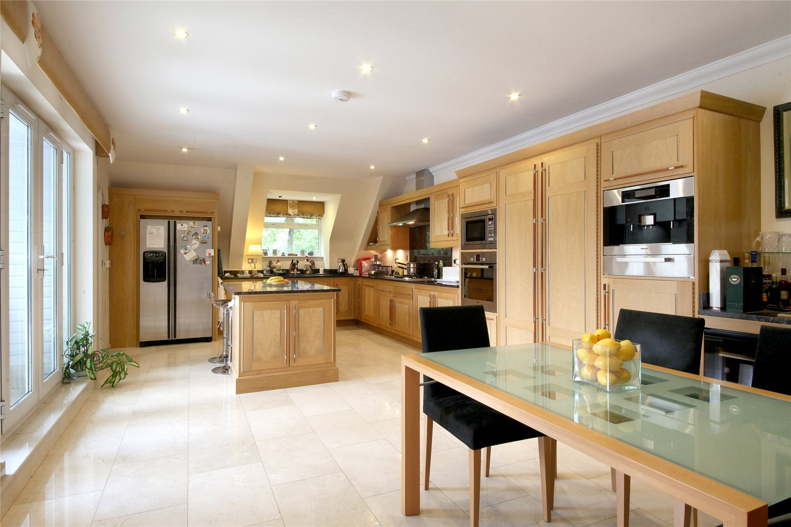 Additional photo for property listing at Dorchester Mansions, Cross Road, Sunningdale, Berkshire, SL5 Sunningdale, Anh Quốc