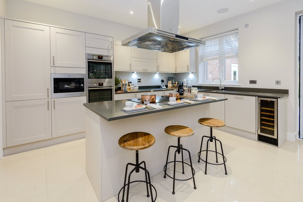 Additional photo for property listing at London Road, Ascot, Berkshire, RG12 Ascot, イギリス