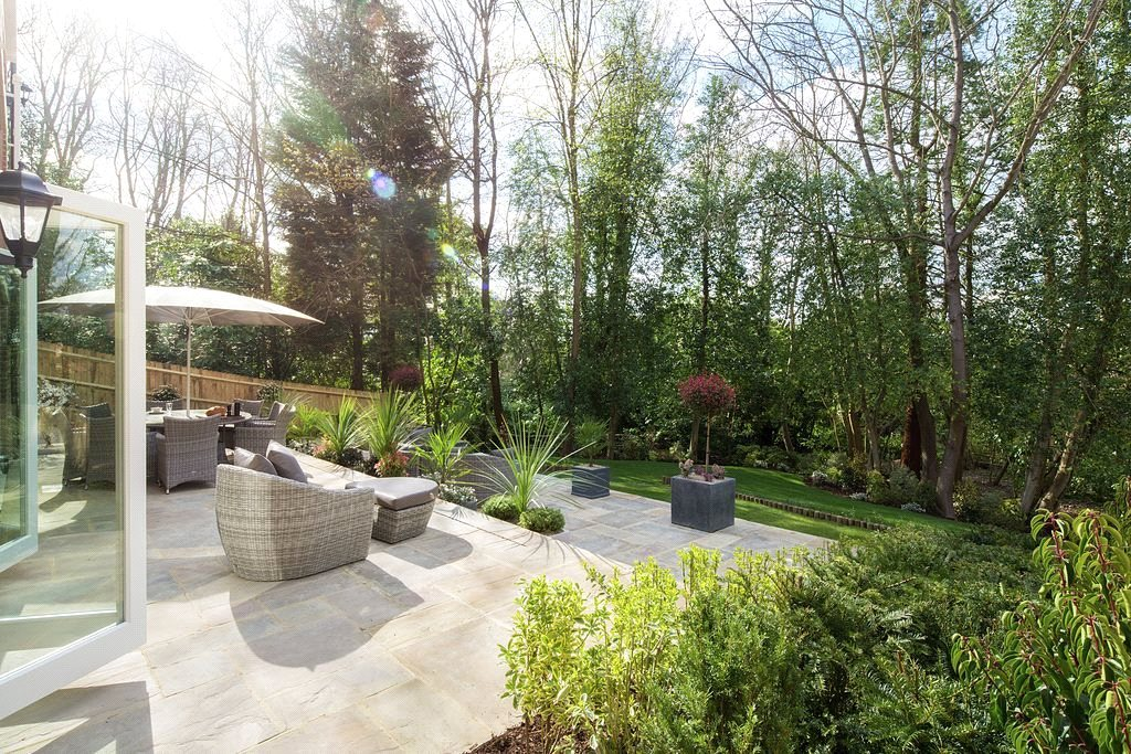 Additional photo for property listing at High Peak, London Road, Sunningdale, Berkshire, SL5 Sunningdale, Angleterre