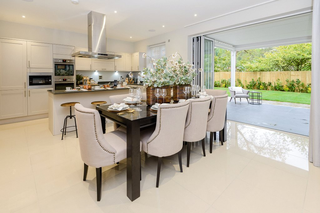 Additional photo for property listing at Fern Gardens, London Road, Ascot, Berkshire, RG12 Ascot, Inglaterra